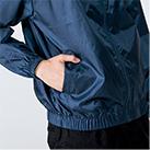 ベーシックカラーブルゾン(00051-ET)着用イメージ(ネイビー/Lサイズ)・ポケット