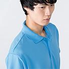 4.4オンス ドライポロシャツ(00302-ADP)着用イメージ(サックス/Lサイズ)・襟元